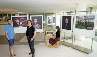 Expositie in OBA toont jonge mensen met hersenaandoening afasie
