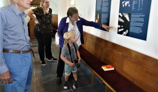 Burgemeester Liesbeth Bloemen van Zoeterwoude: 'Idioot dat we campagne moeten voeren voor vrede'