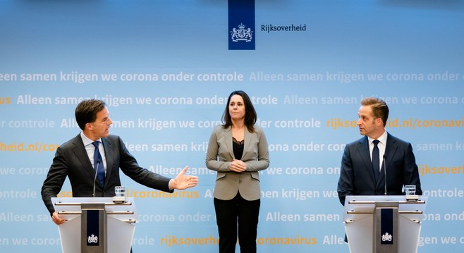 Rutte vindt het reëel dat coronamaatregelen na 28 april van kracht blijven, geen nieuwe maatregelen; 'Hou vol'