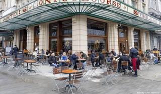 Belgen mogen langer en met meer mensen samen tafelen of drinken