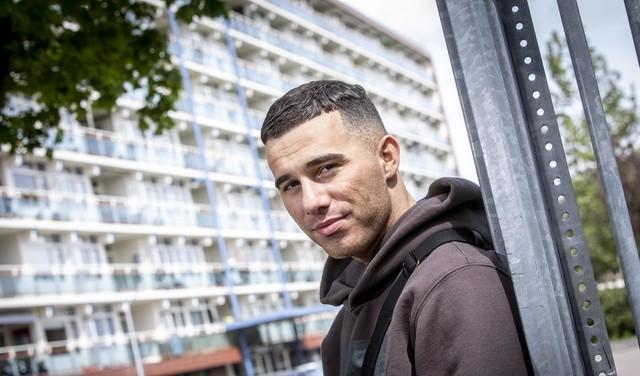 Zanger-rapper Emil Rosé op de drempel van internationale doorbraak [video]