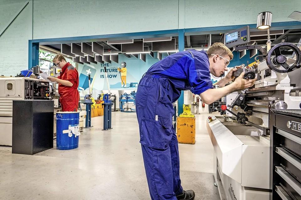Een mbo-opleiding kun je tegenwoordig ook volgen op het vmbo, zoals hier bij Teylingen College KTS in Voorhout.