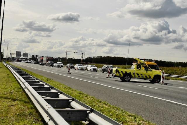 Flinke botsing op A4 bij Zoeterwoude; file in richting van Amsterdam