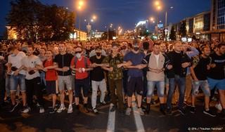 Veiligheidstroepen arresteren organisatoren protesten Wit-Rusland