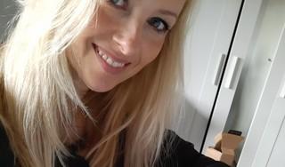 Alphense tekenares Yvette Bavelaar te zien in tv-programma Sterren op het Doek: 'Ik herkende Frank Boeijen helemaal niet'