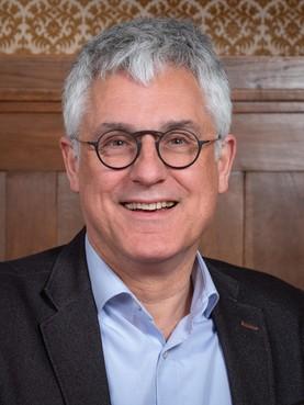 Puur roept Noordwijkse wethouder Sjaak van den Berg ter verantwoording