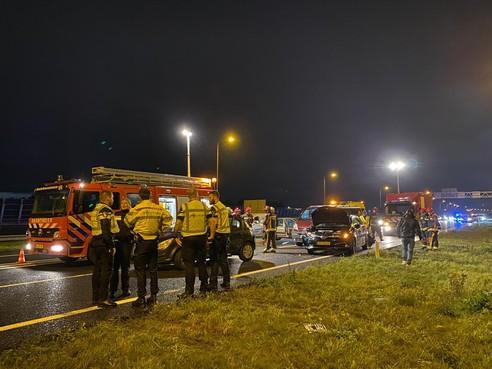 Vier auto's betrokken bij botsing op A4 bij Roelofarendsveen