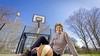 Basketbalster Anja Kuijt speelde ondanks zwangerschap gewoon door: 'Misschien hebben mijn dochters het wel gevoeld, want ze zijn allemaal gaan basketballen'