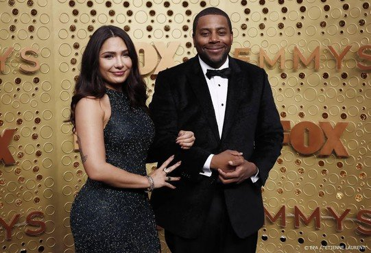 Komiek Kenan Thompson presenteert Correspondents' Dinner in VS