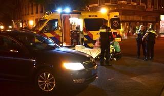 Vrouw te voet gewond bij aanrijding met taxi in centrum van Leiden