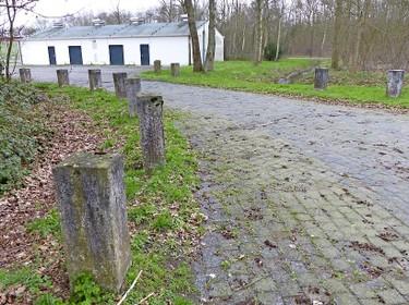 Kalasjnikovs lenen bij het mobilisatiecomplex Wassenaar