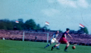 Nooit eerder verschenen beelden van legendarische Kick Smit en Abe Lenstra uit 1948 opgedoken: Heerenveen tegen Haarlem in kampioenscompetitie [video]