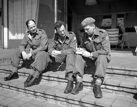 Elke Canadese soldaat moest van de kolonel verplicht kijken naar de gefusilleerden in de duinen bij Overveen