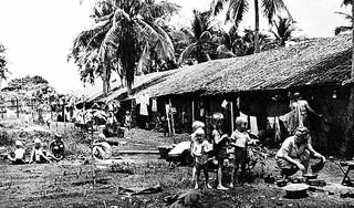 Lezer herkent zich als jongetje naast zijn moeder in jappenkamp