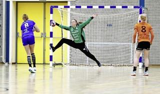 'Je moet toch een keer het huis uit'; Volendam-handbalster Marit Huiberts maakt transfer naar Denemarken