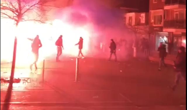 Rode vuurzee in Katwijk door relschoppers, ME ingezet [video & update]
