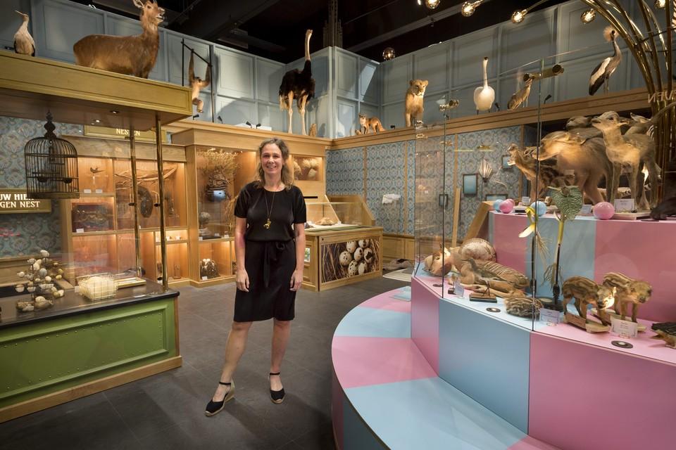 Caroline Breunesse in de nieuwe museumzaal die 'Verleiding' heet.