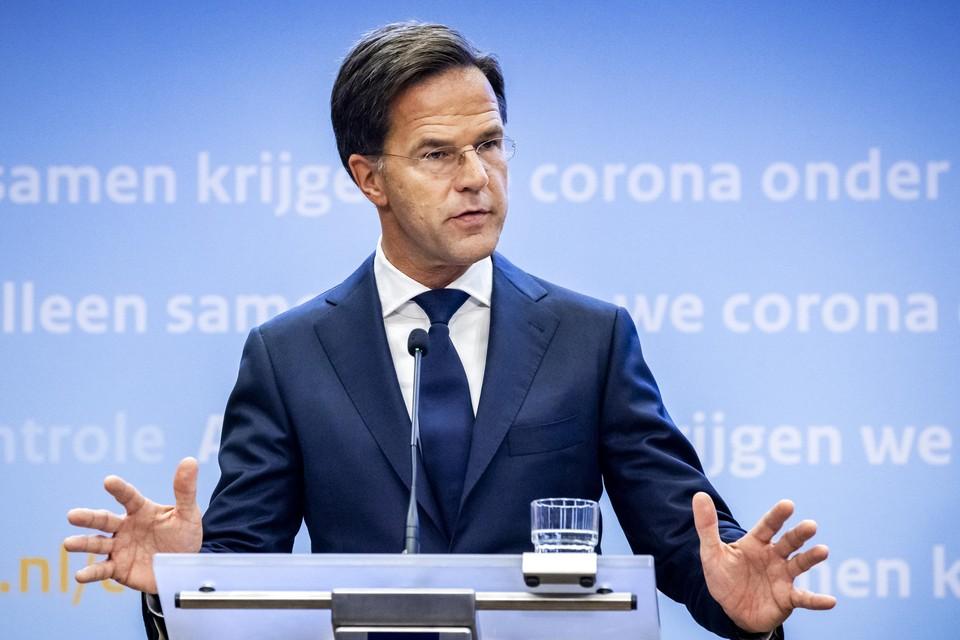 Premier Mark Rutte tijdens een persconferentie over de huidige stand van zaken omtrent het coronavirus in Nederland.