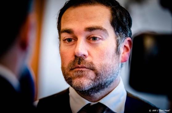 Wachtgeldkwestie suddert door in peiling VVD