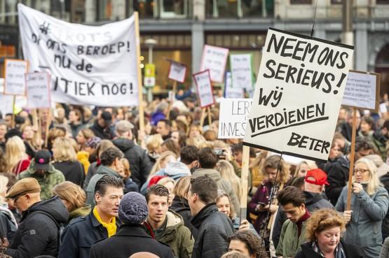 Volg hier live alles over het onderwijsprotest: leraren in groten getale naar Tweede Kamer en de Dam