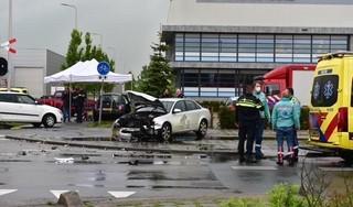Aanrijding met vier auto's in Alphen, twee personen gewond