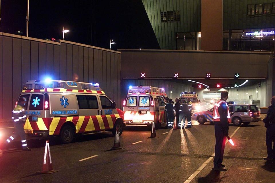Hulpdiensten bij de IJ-tunnel.