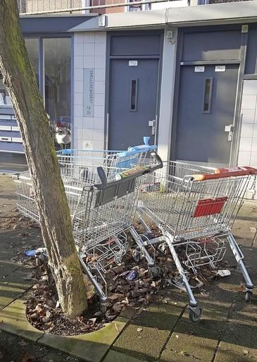 Groeten uit de Slaaghwijk: Supermarkt zoekt (nog altijd) winkelwagens