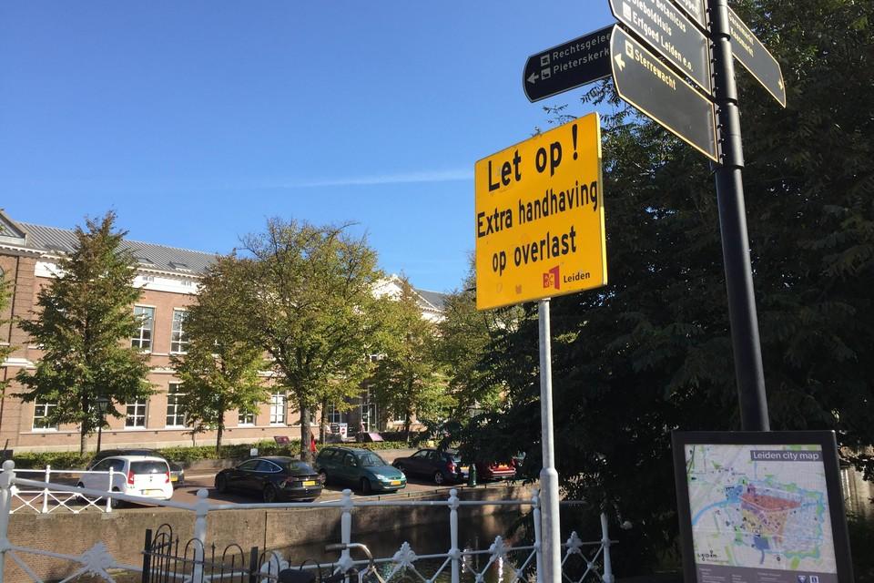 Waarschuwingsbord bij het Van der Werfpark