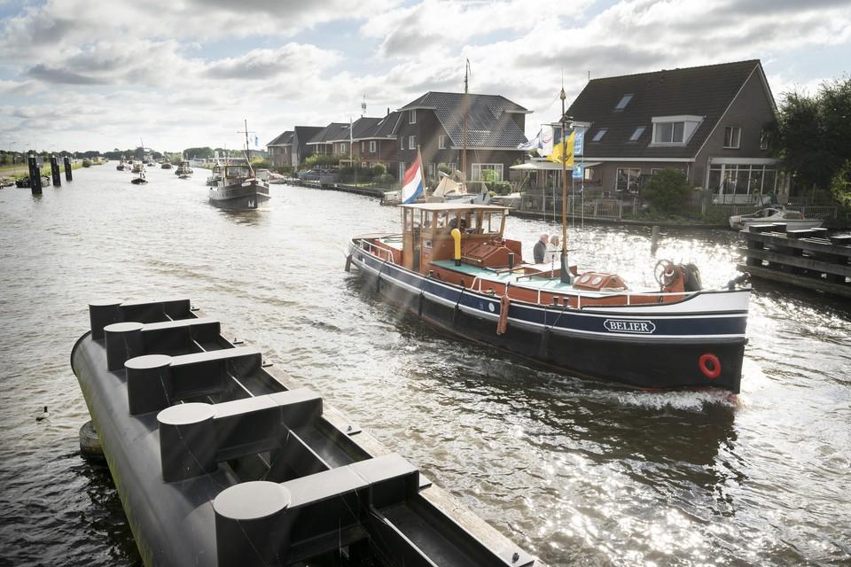 De historische schepen voeren donderdag van Oude Wetering naar Katwijk.