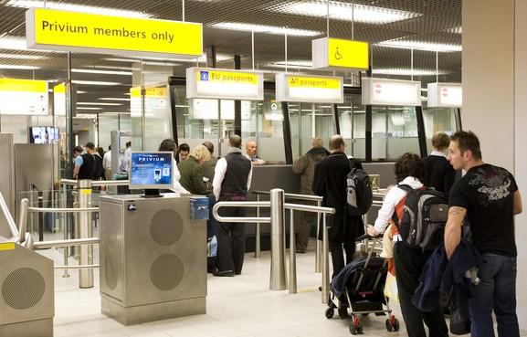 Tasloze reizigers krijgen voorrang op Schiphol