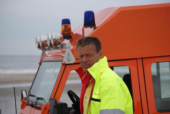 Enrico Hazenoot, voorzitter van de Noordwijkse Reddingsbrigade, heeft ernstig respect voor de zee