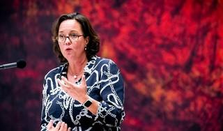 Minister Van Ark werkt thuis, gezinslid ondergaat coronatest