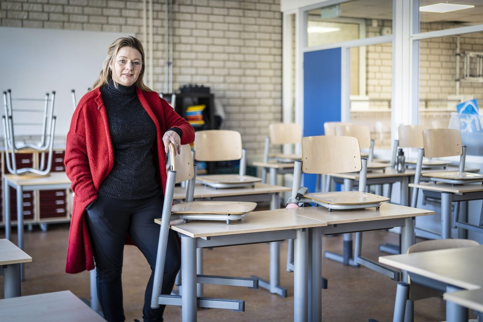 Martine Molenaar, directeur van basisschool De Stevenshof in Leiden: ,,Ik ben heel trots en blij hoe leerkrachten het doen.''