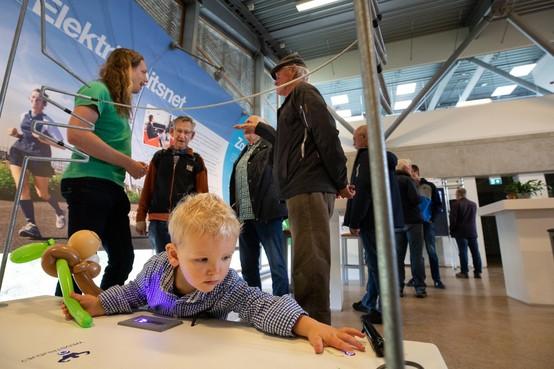 Hoogspanning door de polder: 'We willen allemaal stroom hebben'