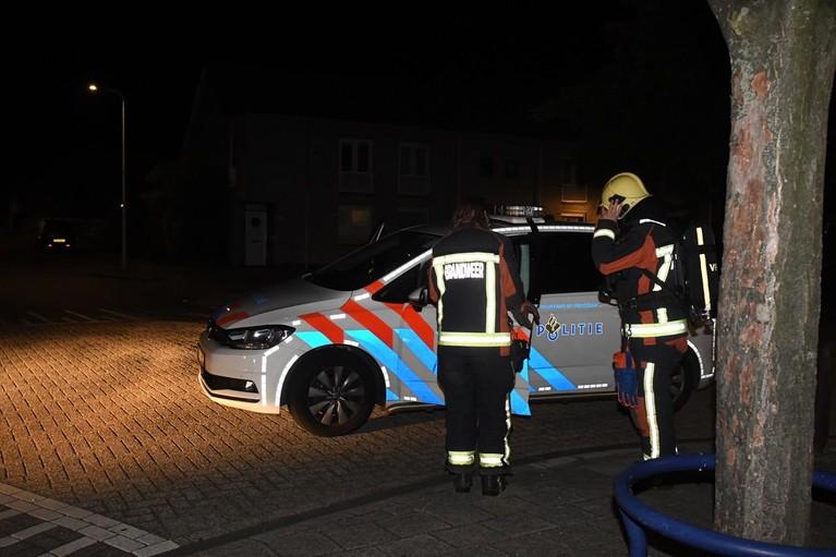 Brandweer verhindert brandstichting in dure Mercedes in Leiden