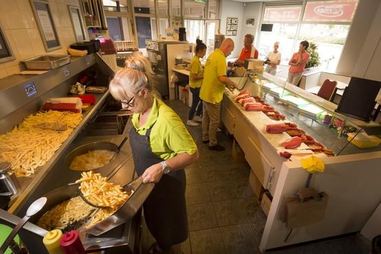 Diepgewortelde frituurcultuur in Katwijk: 'Met eens in de week patat is niets mis'