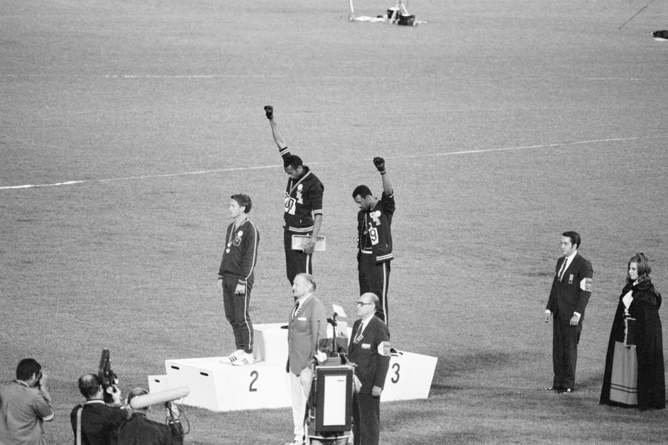 Tommie Smith en John Carlos (rechts) in Mexico 1968.