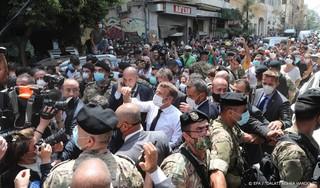 Macron roept op tot internationaal onderzoek explosie Beiroet