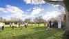 Campagnetijd in Leiden: voor het Roomburgerpark, tegen de coronamaatregelen