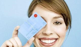 Verplicht glimlachen naar je ICS-creditcard...