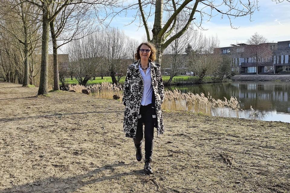 Nelleke Wouters vergroende met buurtgenoten de Minervalaan. 'Het vereiste een lange adem, maar we zijn er heel blij mee.'