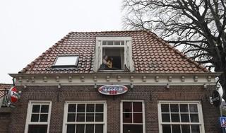 Tenzin woont boven 't kroegie in Hoorn: 'De ligging is echt te gek'