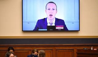 Topmannen Facebook en Twitter verschijnen in november in Senaat