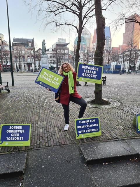 Kim van Strien tijdens haar demonstratie, afgelopen maandag voor de Tweede Kamer.