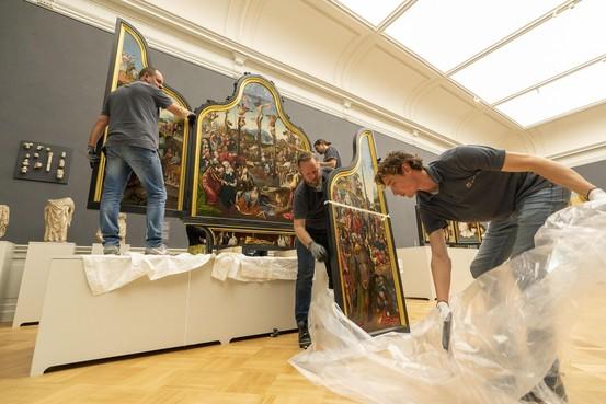 Museum De Lakenhal klaar voor heropening: alle kunstwerken weer op hun plek