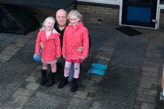 Henri uit Rijnsburg is met zijn dochters (4 en 6) van het gas af: 'Als het echt koud wordt, trek ik een extra deken over me heen'