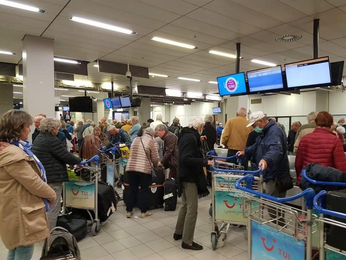 Schiphol maakt einde aan de chaos onder passagiers