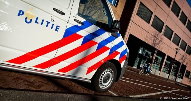 Vrouw wordt onwel in politiebus in Eindhoven en overlijdt