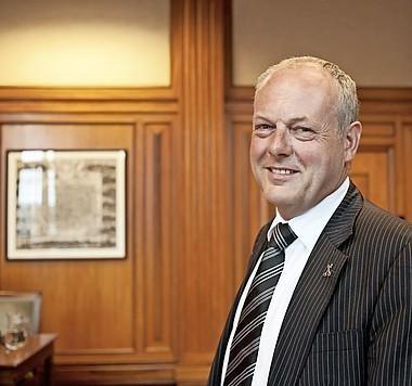 Burgemeester Lenferink over maatregelen corona: 'De samenleving moet niet helemaal stil vallen'