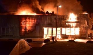 Fietsenmaker Hoekstra Wheels verwoest door zeer grote brand in Valkenburg [video]